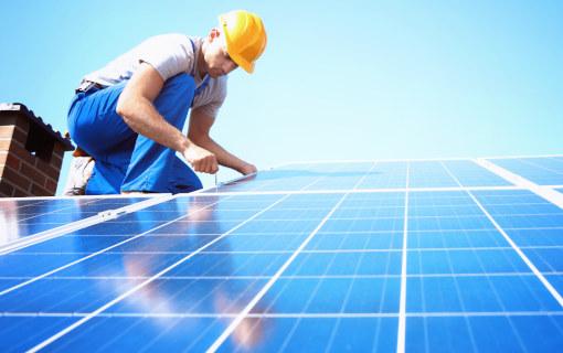 Installazione pannelli fotovoltaici: requisiti e autorizzazioni